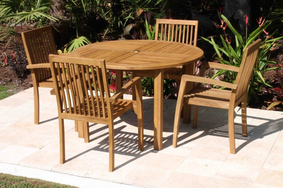 SALE 48in Round Table & 4 Hampton Armchair Teak Set