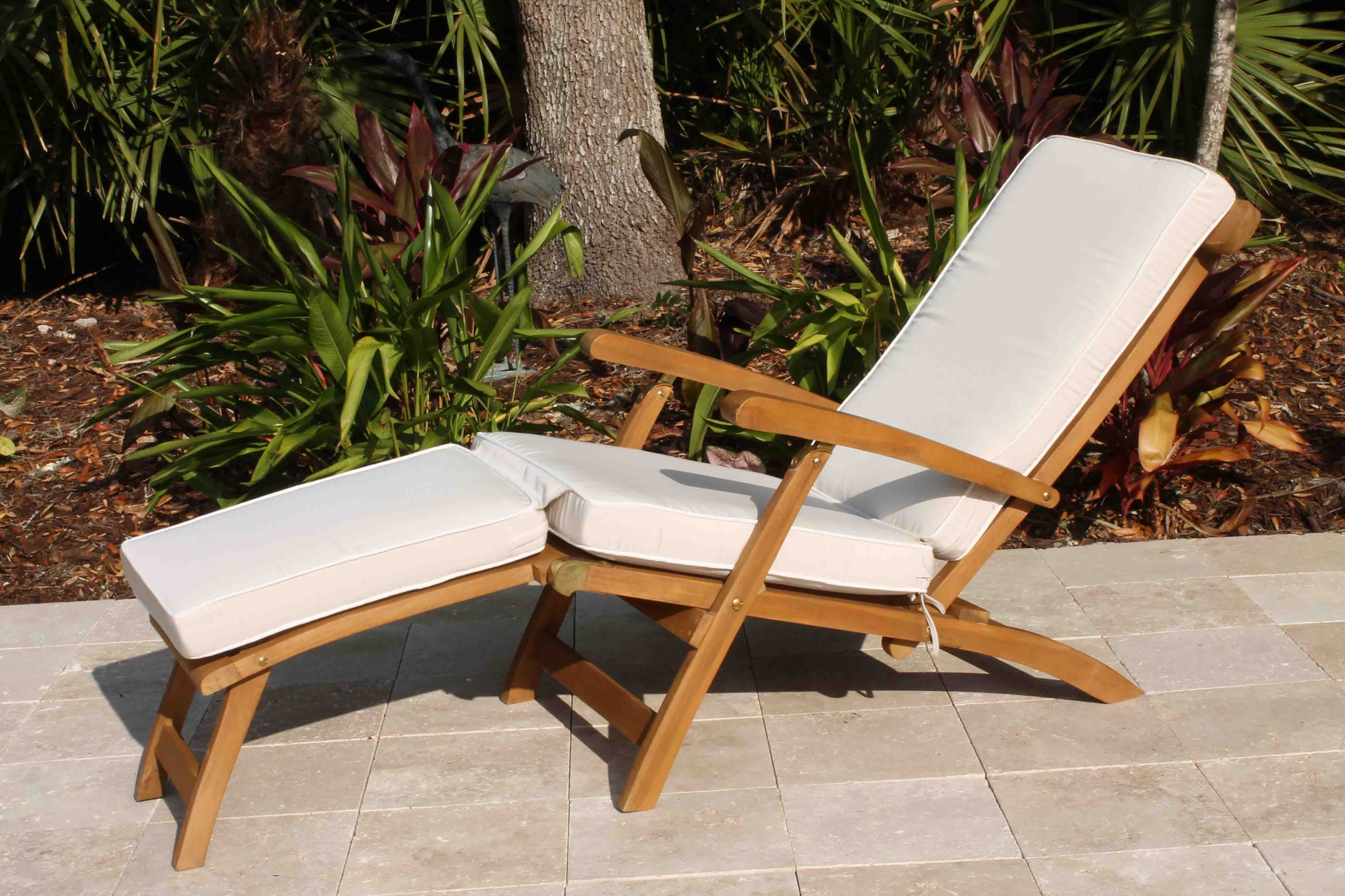 Sunbrella Fabric Steamer Cushion